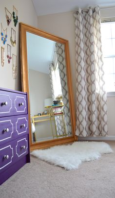 Full length mirrors, great statement for any room and it's practical! Add a small faux fur rug to warm things up! Cost Of Carpet, Diy Carpet, Beige Carpet, Patterned Carpet, Stair Carpet, Fluffy Rugs Bedroom, Faux Fur Rug, Carpet Trends, Cute Room Decor