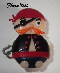 pince aimantée pirate fait main  http://www.alittlemarket.com/accessoires-de-maison/pince_aimante_magnet_petit_pirate-1695654.html