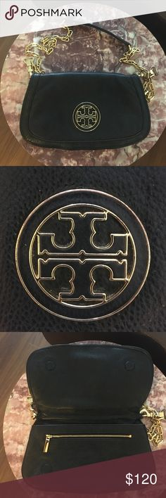 Tory Burch Amanda Crossbody Bag Tory Burch Amanda Crossbody purse. Has some wear on the interior (lipgloss stains-see picture). Other than that this purse has a ton of life left in it! Perfect for date nights and going out! Tory Burch Bags Crossbody Bags