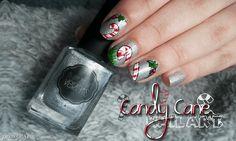 Nail art de Noël avec des Candy cane sur Juggling Glass Balls de Il Était Un Vernis
