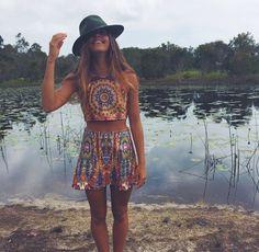 Hoy os traigo un post relacionado con Mimi Elashiry , @mimielashiry en instagram, es una joven que reside en Bali que cuelga fotos impres...