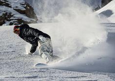 Skifahren und Snowboarden gehört definitiv zu den schönsten Beschäftigungen denen man im Winter bei uns nachgehen kann - perfekt wenn man dann auch noch im Berghotel Auenhütte direkt an der Skipiste wohnt... Mountain, Winter Vacations, Ski, Nice Asses, Pictures, Mountaineering
