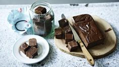 Chocolate marshmallow brown sugar fudge, by Lorraine Pascale Marshmallow Fudge, Chocolate Marshmallows, Chocolate Fudge, Marshmallow Recipes, Fudge Recipes, Dessert Recipes, Evaporated Milk Recipes, Brown Sugar Fudge, Homemade Fudge