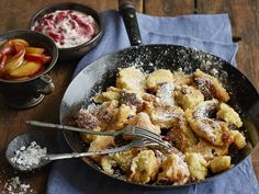 Das leckere Gebäck zählt zu den bekanntesten Süßspeisen aus Österreich und findet nicht nur bei unseren Kleinen großen Zuspruch. Wir zeigen Ihnen, wie Sie die Spezialität selber zu Hause zubereiten.