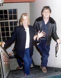 Paul and Linda McCartney Paul Mccartney Beatles, Paul And Linda Mccartney, Linda Eastman, Sir Paul, Great Love Stories, The Fab Four, Wife And Girlfriend, Best Couple, John Lennon