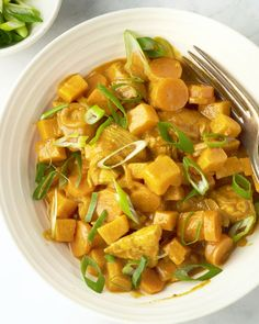 One pot curry met kip en zoete aardappel One Pot Wonders, Garam Masala, Food Inspiration, Sweet Potato, Potatoes, Dinner, Vegetables, Cooking, Recipes