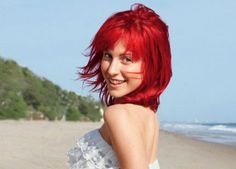 Go Hayley Williams! Rock that red!