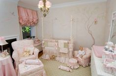 love this shabby chic nursery.