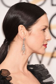 Caitriona Balfe's Sleek Ponytail - It looks just as good at the gym as it does on the red carpet.