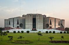 National Assembly Building of Bangladesh | Louis Kahn