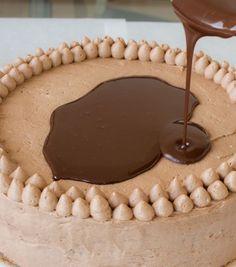 Ingrédients: 120 g de beurre 260 g de sucre 60 g de poudre de cacao 2 gros œufs 60 g de chocolat noir fondu 210 g de farine ...