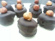 Banaan-bonbon. Heerlijke lekkernij zowel uit de vriezer als de koelkast. Eenvoudig te maken, ook handig als traktatie voor je kind(eren). Broodbuik-glutenvrij-tarwevrij-suikervrij-GI-laag