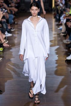 Stella McCartney Spring 2015 Ready-to-Wear - Collection - Gallery - Look 1 - Style.com