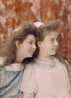Autochrome: Andrée and Suzanne. ca. 1909. Autochrome Lumière. The Lumiere daughters