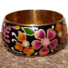 Nikobar Flower Black emaljerat mässingsarmband 229:- @ http://decult.se/store/products/am50-9
