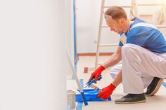 Shine Painters Auckland will give a new look to your house. If you need house painters in Auckland give a call for free quote for your house paint /repaint Types Of Painting, Painting Tips, Painting Techniques, 80s Interior Design, House Paint Interior, Home Wall Painting, Painting Walls, Painting Contractors, Professional Painters