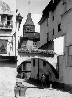 Pregelbogen.. The Pregel arch on the Kniephof island.. The Königs Dom can be seen above