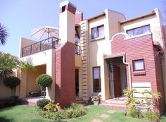3 Bedroom Townhouse for sale in Boardwalk Meander, Pretoria R 1 650 000 Web Reference: P24-101302867 : Property24.com Pretoria, Townhouse, Mansions, Bedroom, House Styles, Home Decor, Decoration Home, Terraced House, Room Decor