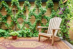 A homeowner with a magpie's eye and a restless imagination turns his garden into a space brimming with ideas Outdoor Walls, Outdoor Living, Outdoor Decor, Small Cottage Garden Ideas, Willow Green, Window Planter Boxes, Heuchera, Glass Flowers, Garden Photos