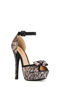Oh, what a beauty! With no introduction necessary, Hally by JustFab epitomizes gorgeous glamour.