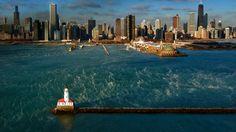 Chicago Harbor Light on Lake Michigan (© Tim Klein/Gallery Stock)