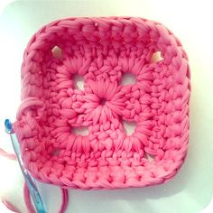 TUTORIAL: como hacer cestas de trapillo cuadradas