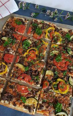 200 Calories, Vegetable Pizza, Vegetables, Food, Bon Appetit, Red Peppers, Meal, Essen, Vegetable Recipes
