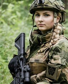Fighter Girl Gun for women west chester pa . free Fighter Girl Gun for women sites in the uk Military Girl, Military Police, Military Personnel, Female Soldier, Army Soldier, Warrior Girl, Military Women, Girls Uniforms, Armed Forces