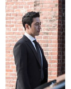 WEBSTA @just.janghyuk.zoi 돈꽃 <Money Flower> New Still cut(Shooting behind),♪ ●PHOTO which cropped Naver Post に綺麗なスチールがたくさん上がりました。 明日初放送❢ 2017. 11.11(土)午後8時45分、2回連続放送 @ajincome . Tv Series 2013, Jang Hyuk, Kdrama Actors, Asian Actors, Superman, Chinese, Kpop, My Love, Music