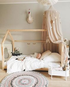 Amazing Montessori Bedroom Design For Happy Kids bedroom Budget Bedroom, Girls Bedroom, Bedroom Decor, Kid Bedrooms, Bedroom Curtains, Bedroom Small, Montessori Bedroom, Montessori Toddler Rooms, Montessori Preschool