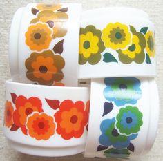 J'ai toujours vu ces tasses chez ma maman (en mugs) ! a retrouver d'urgence en vide grenier