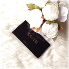 AUDREY : Make up Revolution Ultra Blush palette Golden Suga...
