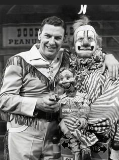 """Howdy Doody is an American children's television program that was telecast on the NBC network from 1947-1960. It was a pioneer in children's television programming. A distinctive feature was the Peanut Gallery, onstage bleachers seating about 40 children. Each show began with Buffalo Bob asking, """"Say kids, what time is it?"""" and the kids yelling in unison, """"It's Howdy Doody Time!"""" Then the kids sang the show's theme song. It was one of the first television shows with audience participation. Howdy Doody, Kids Singing, Newest Tv Shows, American Children, Television Program, Prime Time, Theme Song, Programming, Buffalo"""