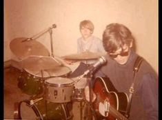 """Dwight Twilley Band """"Lovin' Me"""" (Oister) - rare power pop (pinning because of the super-cute photo of these two) Power Pop, Gone Too Soon, Cute Photos, The Voice, Super Cute, Songs, Band, Concert, Music"""