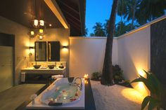 Luxury Indian Ocean resort – Atmosphere Kanifushi Maldives