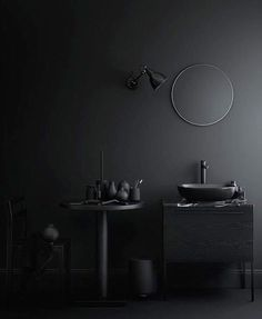 Some beautiful dark bathrooms styled by Swedish stylist Lotta Agaton , the first two pictures are part of a home shown in Residence maga. Black Interior Design, Bathroom Interior Design, Simple Interior, Monochrome Interior, Modern Interior, 2018 Interior Trends, Dark Bathrooms, Black Rooms, Dark Interiors