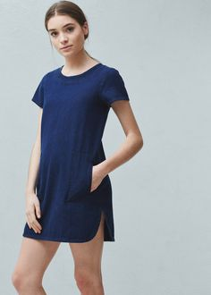 Discover the latest trends in Mango fashion, footwear and accessories. Shop the best outfits for this season at our online store. Short Sleeve Denim Dress, Womens Denim Dress, Denim Outfits, Fashion Outfits, Cute Dresses, Casual Dresses, Moda Mango, Side Slit Dress, Jean Dress Outfits