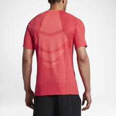 Nike Pro HyperCool Men's Short Sleeve Top Size Large (Red)