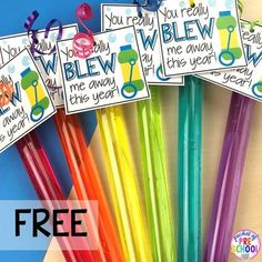 Bubble gift tags! End of the year student gift tags (free printables) using cheap items from the dollar store and Target Dollar Spot. Pocket of Preschool #preschool #prek #kindergarten #endoftheyear #endoftheyeargift #freeprintbale