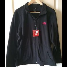 NWT the north face women's Celia Full Zip Fleece Brand new Celia full zip in XL in black color.  Price is firm. The North Face Tops