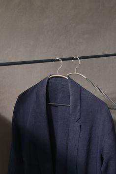 MENU Ava Hanger