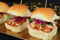 Make these show-stopping recipes from KING'S HAWAIIAN the starring rolls of your Awards Show Party. Oh yummy yum yum in my tummy Tum Mmm Good ! King Hawaiian Rolls, Kings Hawaiian, Appetizer Recipes, Appetizers, Whole Food Recipes, Cooking Recipes, Chicken Sliders, Wrap Sandwiches, House Party