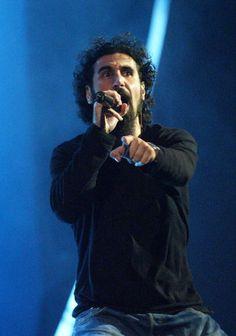 Serj Tankian, System of a Down, MTV Video Music Awards Latinoamerica 2002  credit: Gettyimages