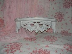 Shabby chic vintage Bed crown