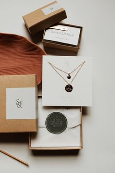 Full Packaging Set for Stamped & Finch, an Athens based jewelry designer. Custom Packaging, Jewelry Packaging, Jewelry Branding, Packaging Ideas, Bijoux Design, Schmuck Design, Jewelry Logo, Cute Jewelry, Ideas Para Logos