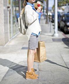 กระเป๋า Fjallraven Kanken Classic สี Putty พร้อมส่ง  ของแท้ 100 % พร้อมส่ง สินค้าสุดฮิตของวัยรุ่นญี่ปุ่นตอนนี้   สนใจสอบถามสินค้า   1. ติดต่อ Line id: Kankenthailand   2. ส่งข้อความทาง facebook www.facebook.com/messages/Kankenbag  3. สั่งซื้อผ่านทางระบบตระกร้า  http://www.kankenthailand.com 4. หรืออีเมลล์ Kankenbagthailand@gmail.com    #KankenClassic #KankenThailand #เป้Kanken