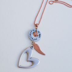 Rose Gold plated ketting Circle of Love. Unique made necklace with lovely heart pendant. The chain is of high quality plated Rose Gold. Beautiful combination of silver with rose gold.  http://www.charmantsieraden.nl/mama-sieraden/mama-kettingen/rose-gold-plated-ketting-circle-of-love.html