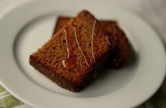 Honningkake (Honey cake) med kaffi og valnøtter, bakt i brødform #honning #kake #cake #honey #walnut #coffee #kaffe #ginger #ingefaer #krydder #spice