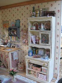 Vitrine Miniature, Miniature Rooms, Miniature Kitchen, Miniature Houses, Miniature Furniture, Doll Furniture, Shabby Chic Furniture, Dollhouse Furniture, Dollhouse Interiors