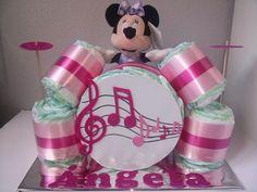 Un regalo con mucho ritmo para los bebés más marchosos. www.entretartasypanales.com www.facebook.com/entretartasypanales   https://lomejordelaweb.es/
